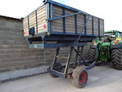 4 TON HIGH LIFT TIPPING TRAILER