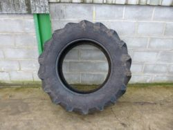420/70R28 PIRILLI TRACTOR TYRE